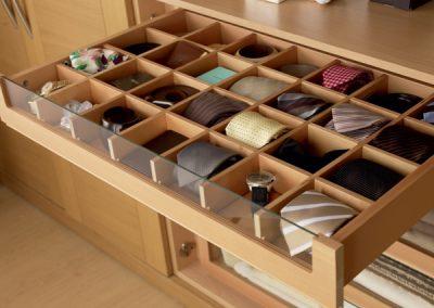 Multi Tie Storage.