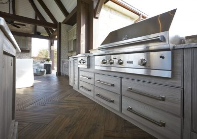Patio Kitchen In Silver Birch.