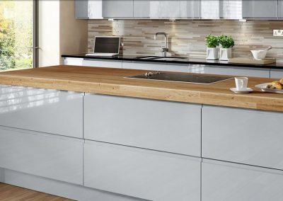 Grey Gloss Kitchen With Timber Worktop & Inverted Handle Or Handle Free Option.