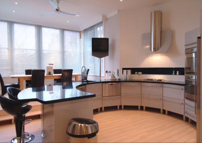Resin Curved Feature kitchen In Gloss Dusky Grey.