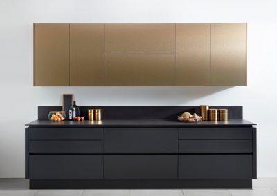B Brushed Bronze & Matt Anthracite Kitchen.