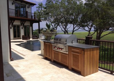 Holiday Patio Kitchen In Warm Timber.