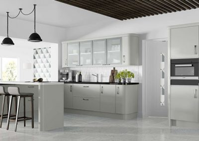 Light Modern Grey Gloss Kitchen With Black Finishes & Appliances.