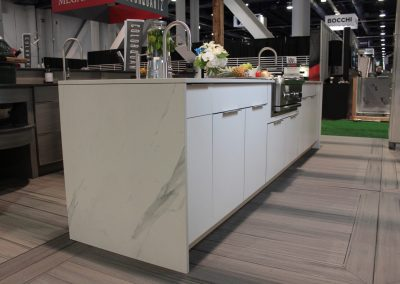 Contemporary HDR White With Marbled Finish.