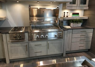 Light Grey Kitchen With Char Grill & Side Burner.