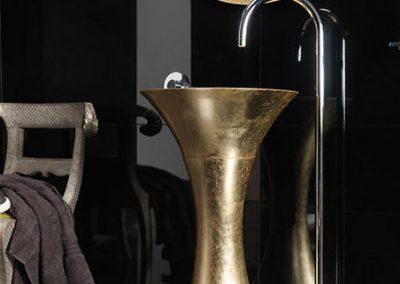 Gold Chalice Pedastal Design.