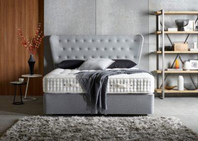 V Bed In Grey.